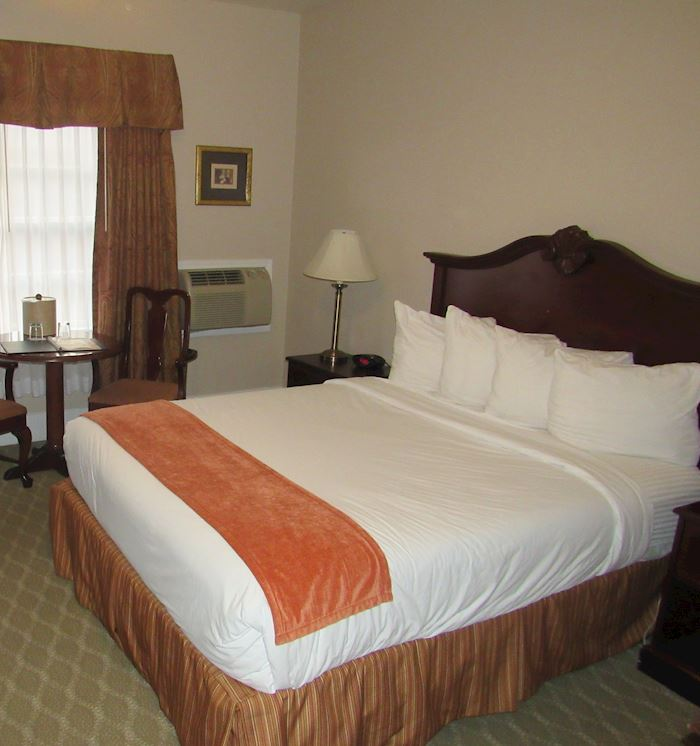 Single King Handicap Accessible Roll-in Sho at Santa Maria Inn, California